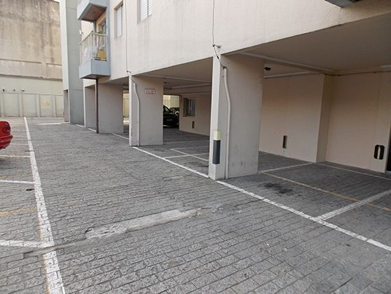 Sacomã, Apartamento Padrão-Garagem descoberta.
