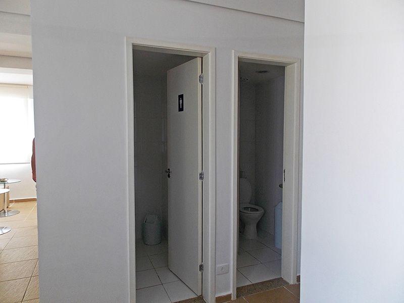 Sacomã, Apartamento Padrão-Banheiro feminino e masculino