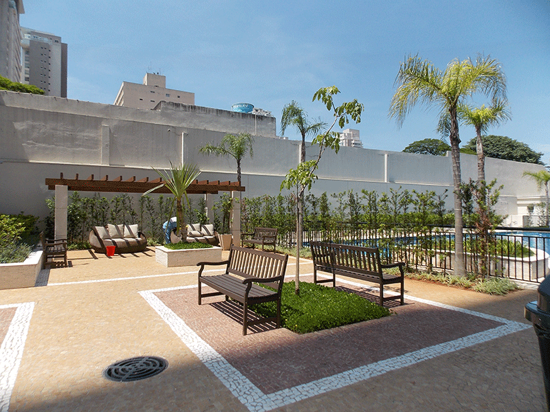 Ipiranga, Apartamento Padrão-Praça.