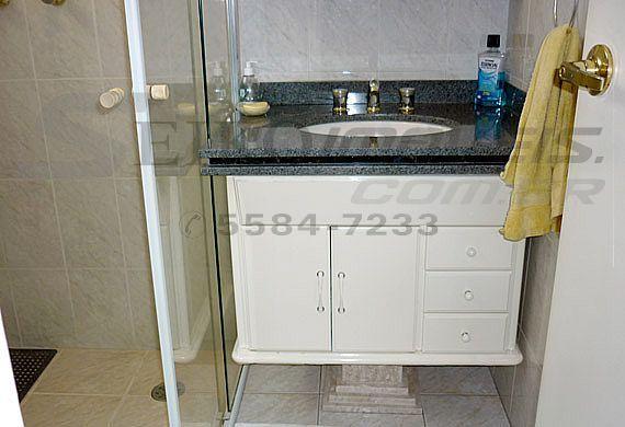 Sacomã, Apartamento Padrão-Banheiro da suíte com gabinete e pia de granito