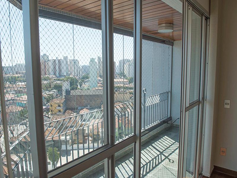 Ipiranga, Apartamento Padrão-Varanda com piso de ardósia e teto de madeira.