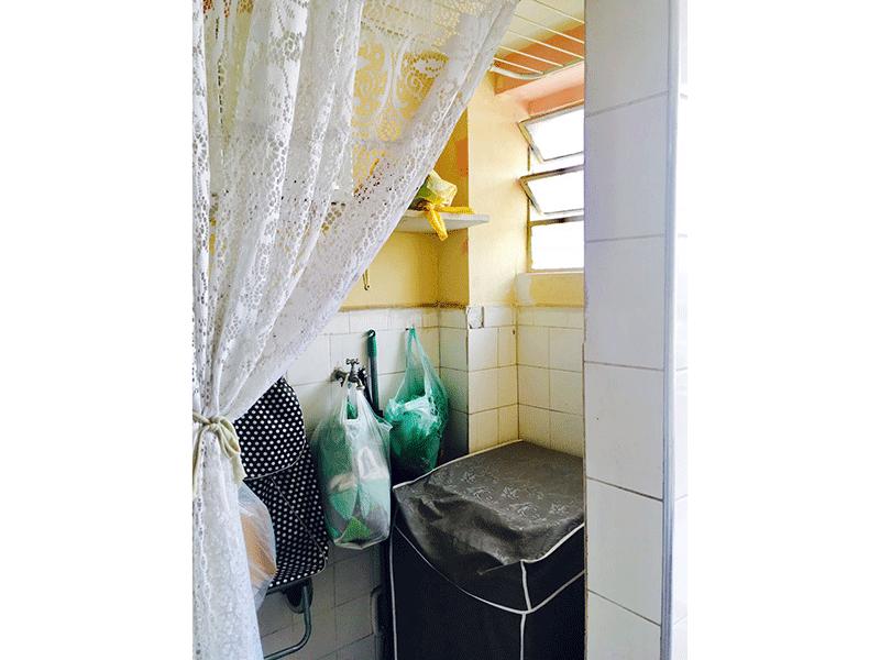 Ipiranga, Apartamento Padrão-Banheiro de serviço com piso de cerâmica (usado como área de serviço).