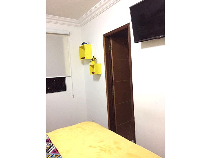 Sacomã, Apartamento Padrão-Suíte com piso laminado, armários planejados e sanca de gesso de gesso.