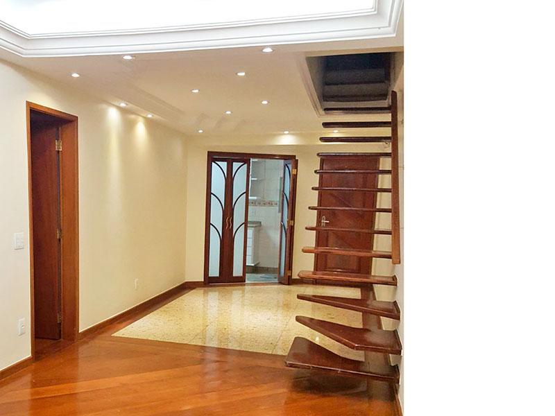 Jabaquara, Cobertura Duplex-Sala em L com sanca de gesso e iluminação embutida.
