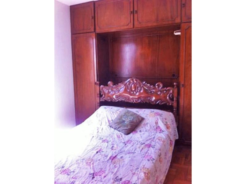 Ipiranga, Apartamento Padrão-1º dormitório com piso de madeira e armários planejados.