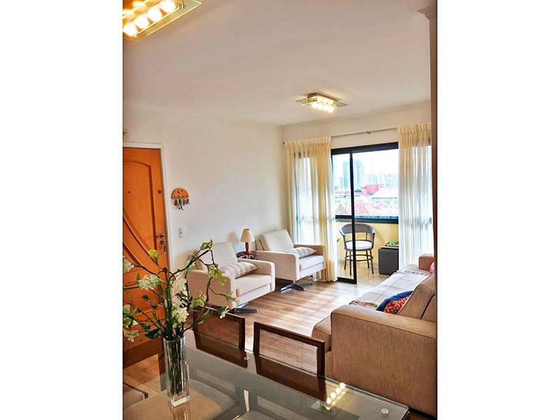 Ipiranga, Apartamento Padrão - Sala em L com piso de laminado, teto com moldura de gesso e acesso a varanda.