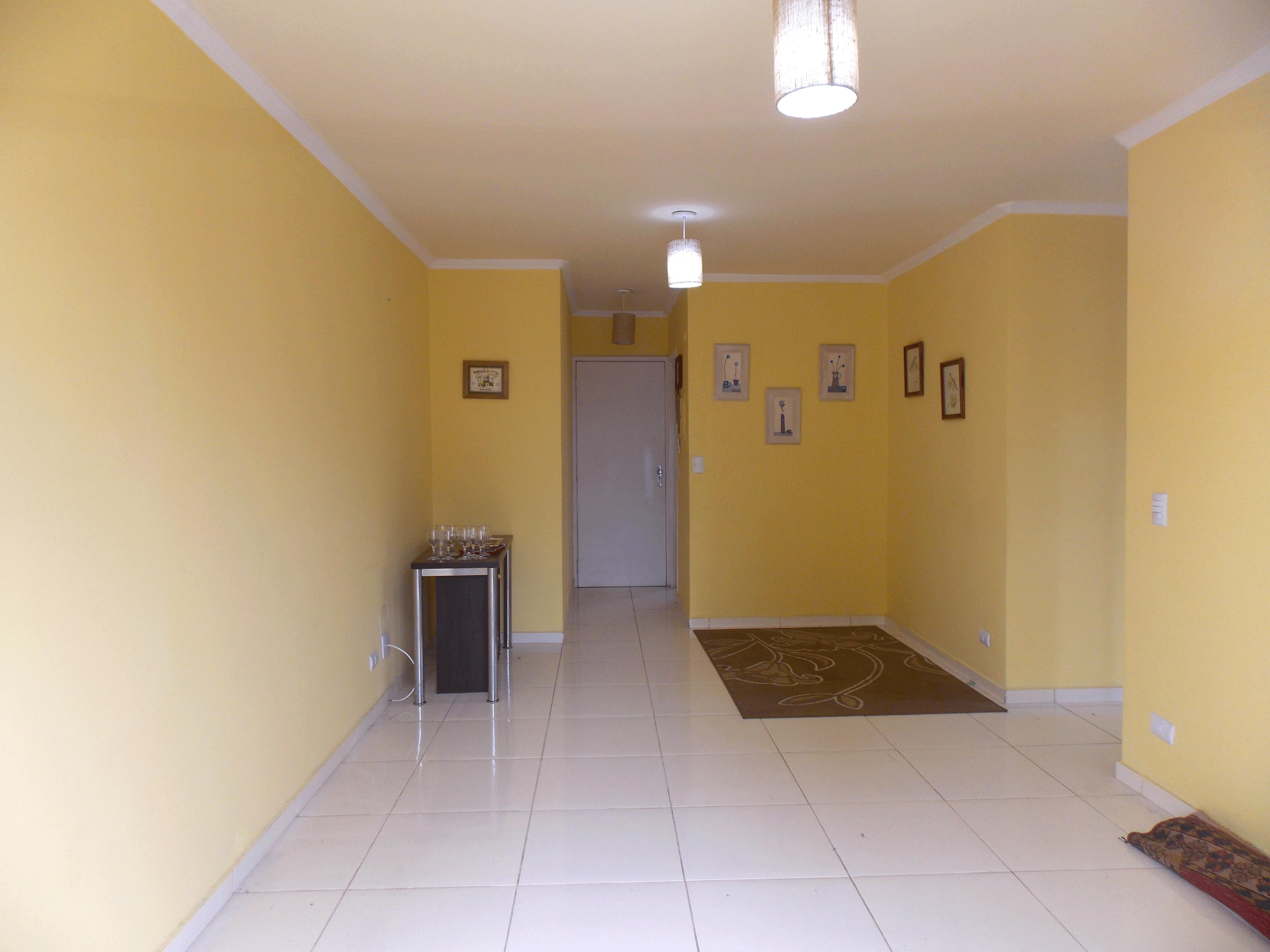 Jabaquara, Apartamento Padrão-Sala em L com piso de cerâmica, teto com moldura de gesso e acesso à sacada.
