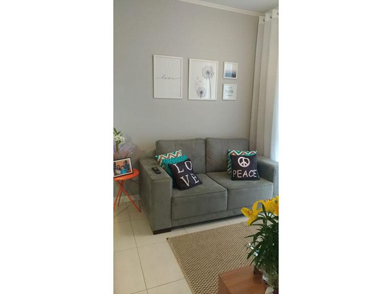 Jabaquara, Apartamento Padrão - Sala retangular com piso de porcelanato e teto com moldura de gesso.