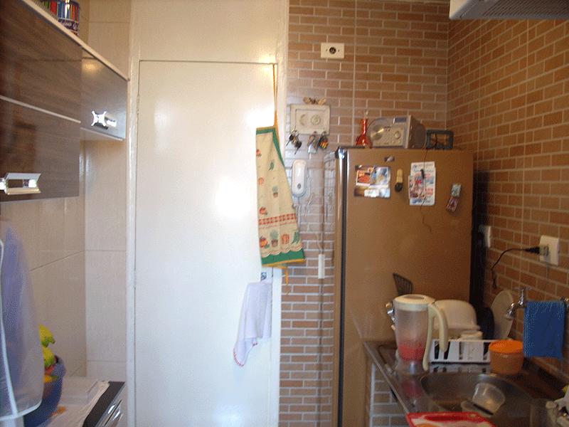 Jabaquara, Apartamento Padrão-Cozinha com piso de cerâmica e pia de inox.