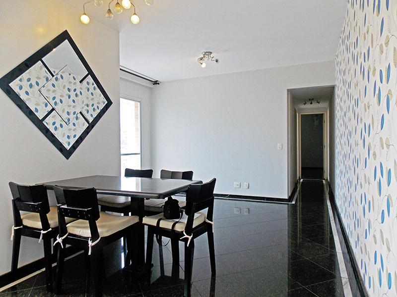 Ipiranga, Apartamento Padrão-Sala em L com piso de granito e acesso a varanda.