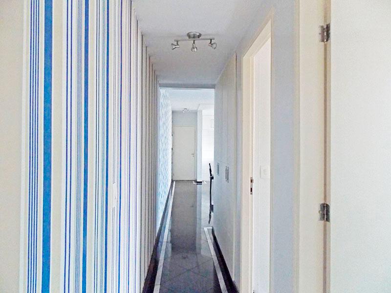 Ipiranga, Apartamento Padrão-Corredor com piso de granito.