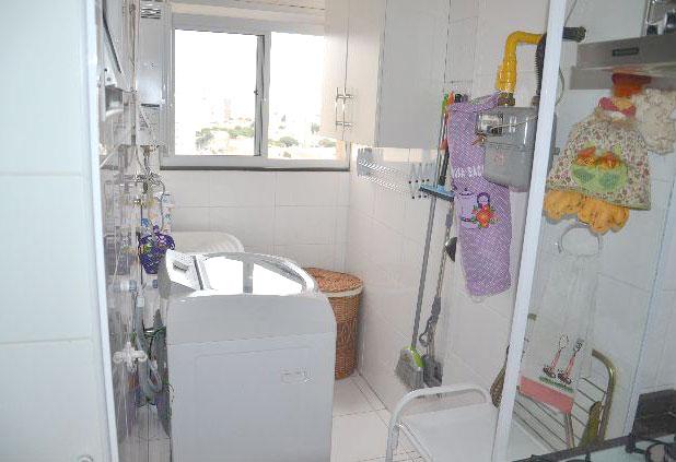Sacomã, Apartamento Padrão-Área de serviço com armário.
