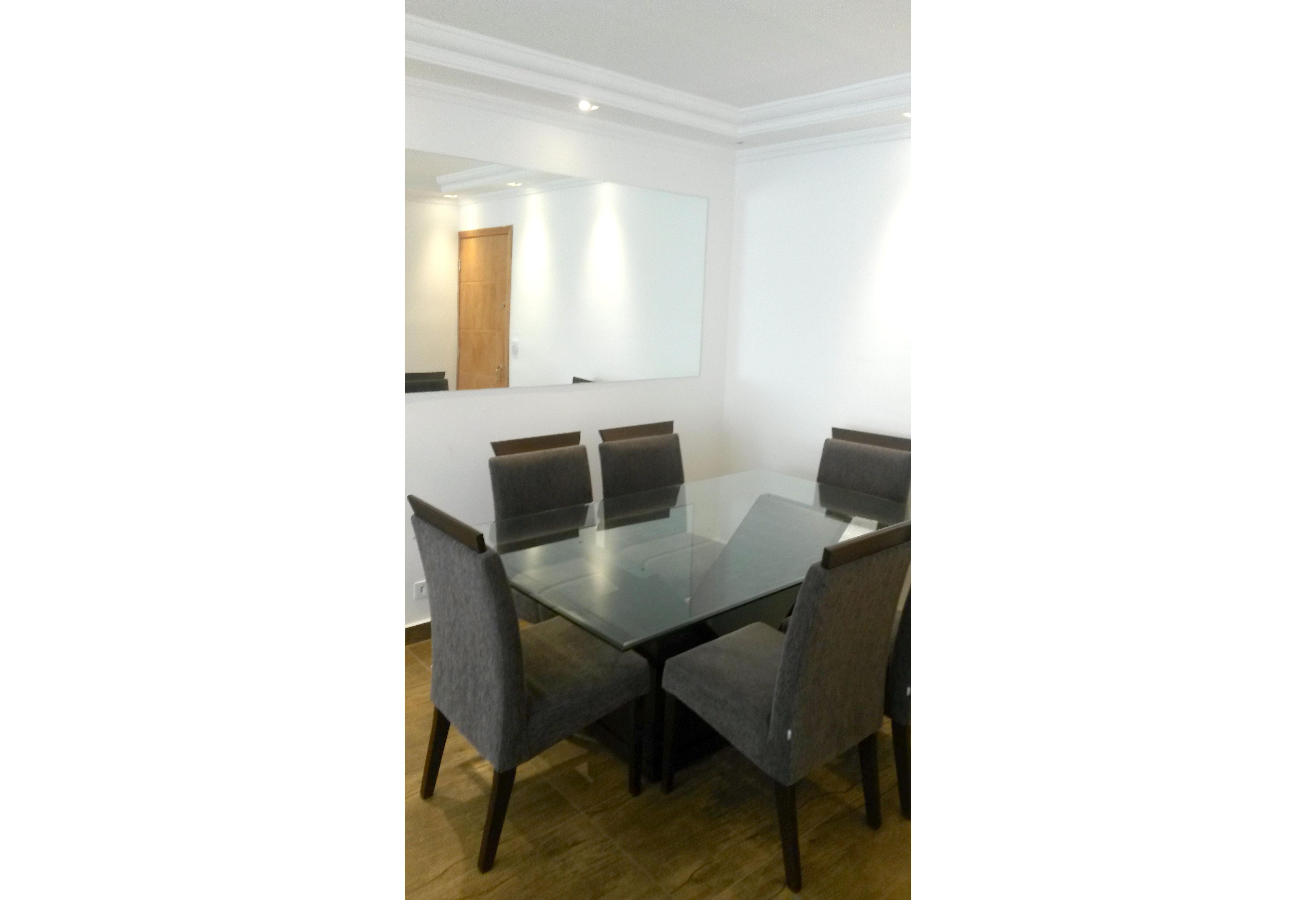 Jabaquara, Apartamento Padrão-Sala com dois ambientes, piso de cerâmica e teto com sanca de gesso e iluminação embutida