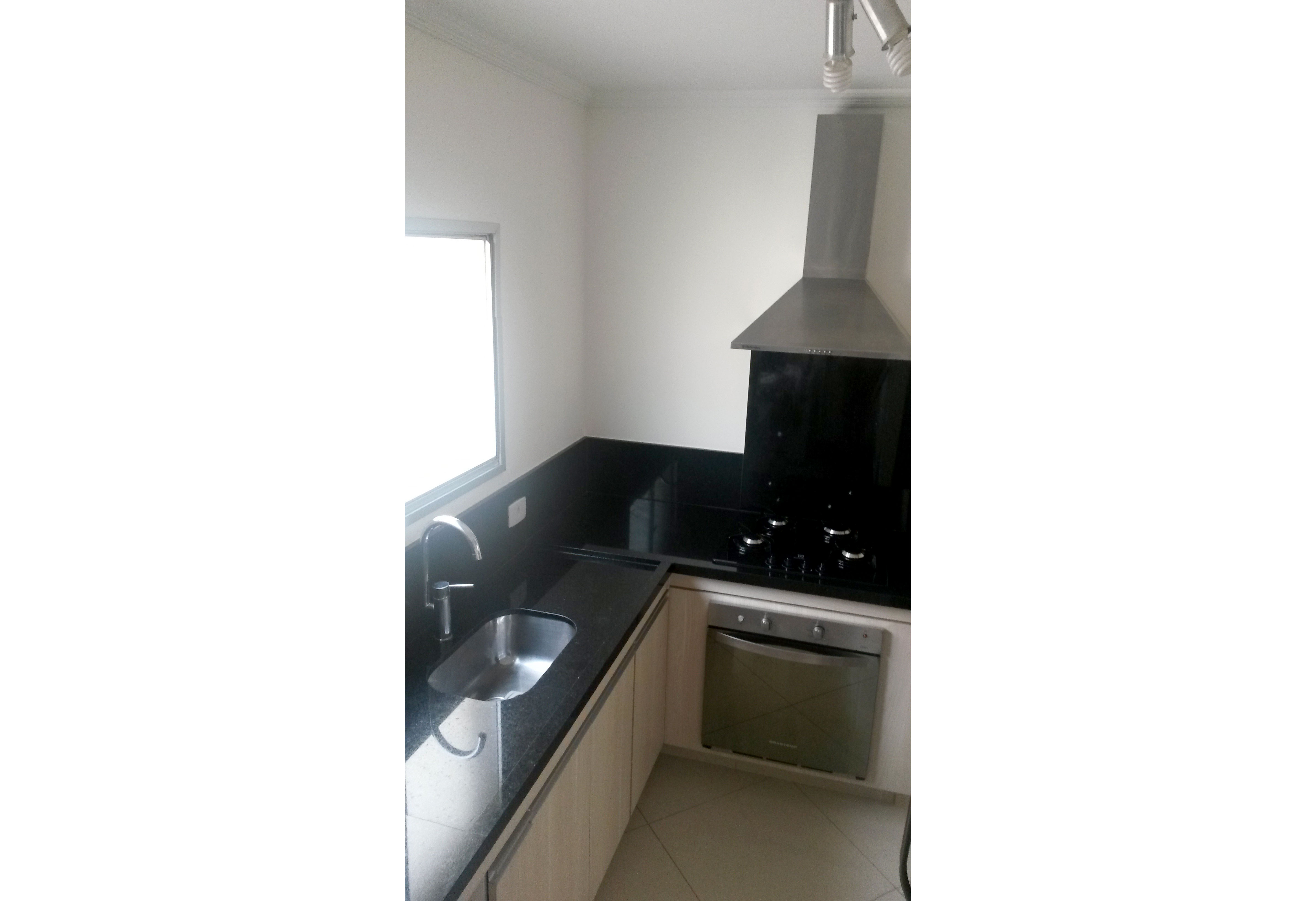 Jabaquara, Apartamento Padrão-Cozinha com piso de porcelanato, armários planejados e pia de granito