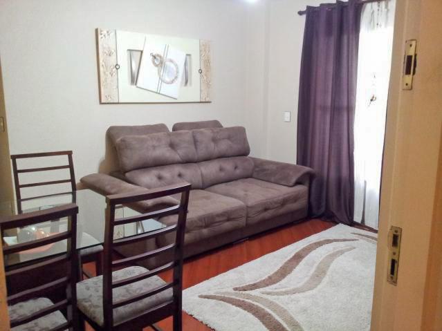 Jabaquara, Apartamento Padrão-Sala quadrada com dois ambientes, piso laminado e acesso à sacada