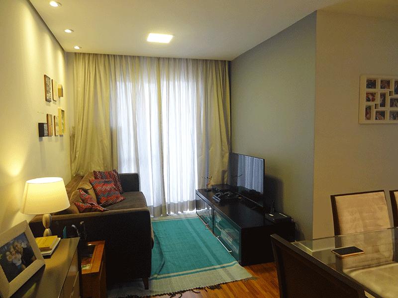 Jabaquara, Apartamento Padrão-Sala em L com piso de madeira, teto rebaixado, iluminação embutida e acesso à varanda.