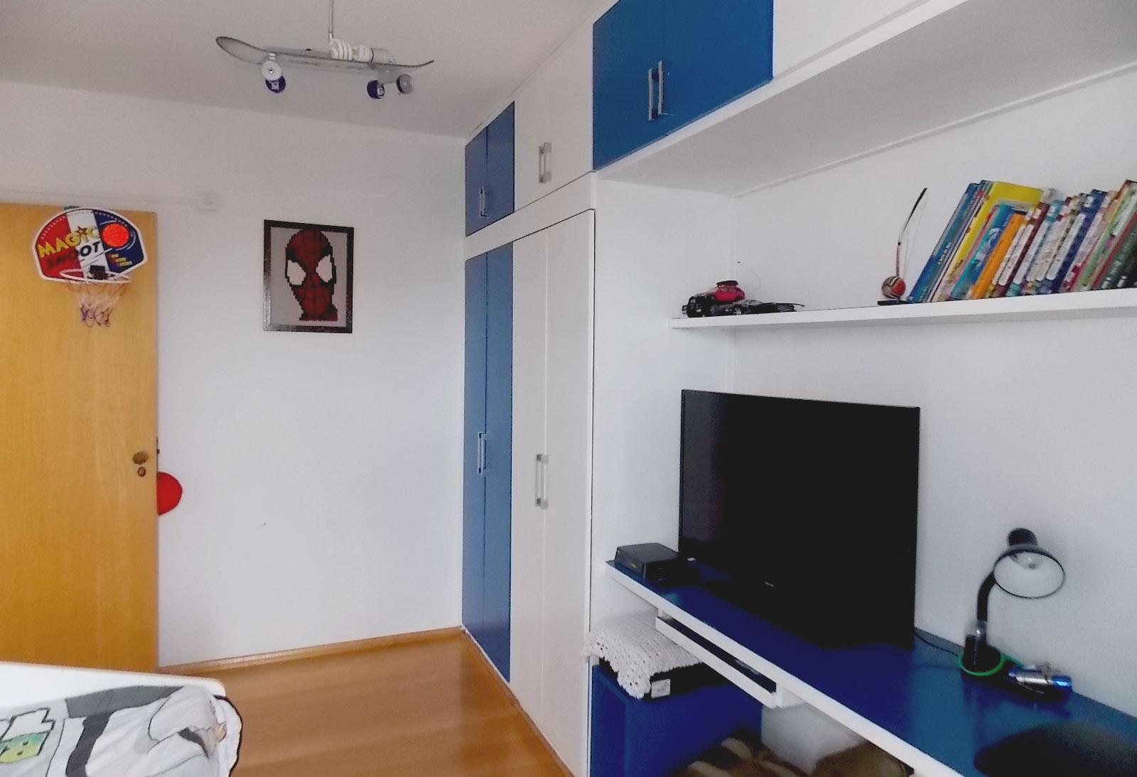 Sacomã, Apartamento Padrão-DORMITÓRIO COM PISO DE TACÃO DE MADEIRA, ARMÁRIO PLANEJADO E SACADA COM TELA DE PROTEÇÃO E GUARDA-CORPO