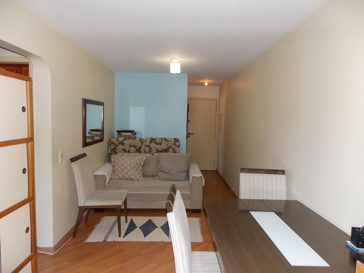 Jabaquara, Apartamento Padrão-Sala retangular com dois ambientes, piso laminado e acesso à varanda