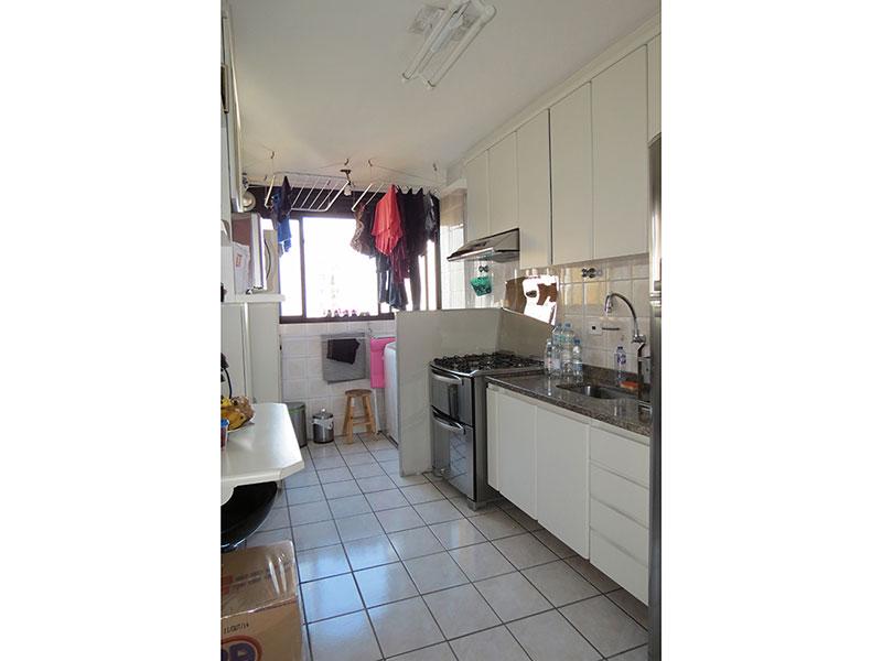 Jabaquara, Apartamento Padrão-Cozinha com piso de cerâmica, armários planejados e pia de granito.