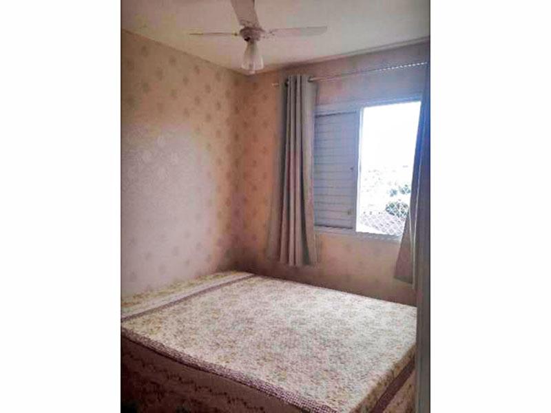 Ipiranga, Apartamento Padrão-1º Quarto com piso laminado e armários planejados.