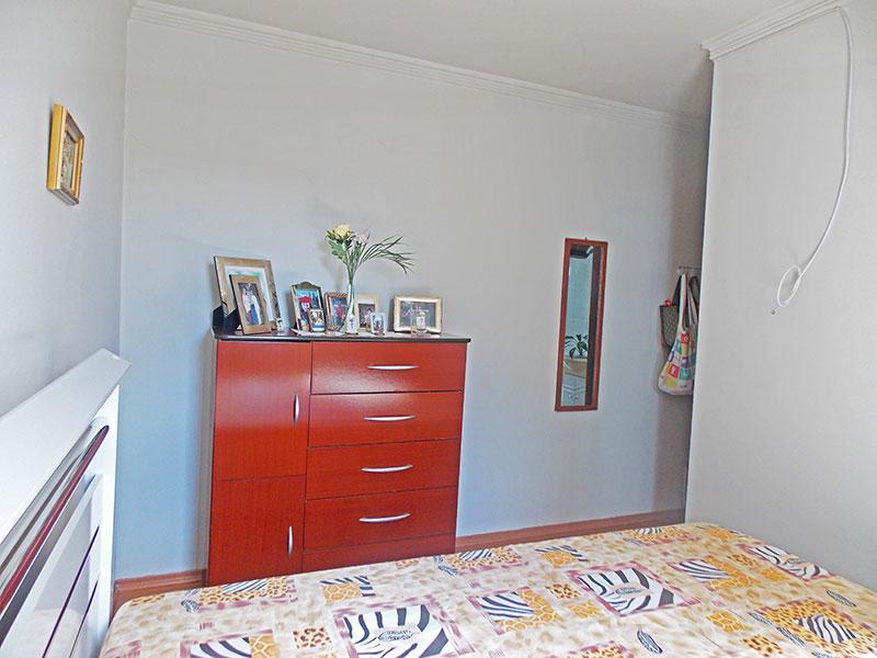 Jabaquara, Apartamento Padrão-Suíte com piso laminado e teto com moldura de gesso.