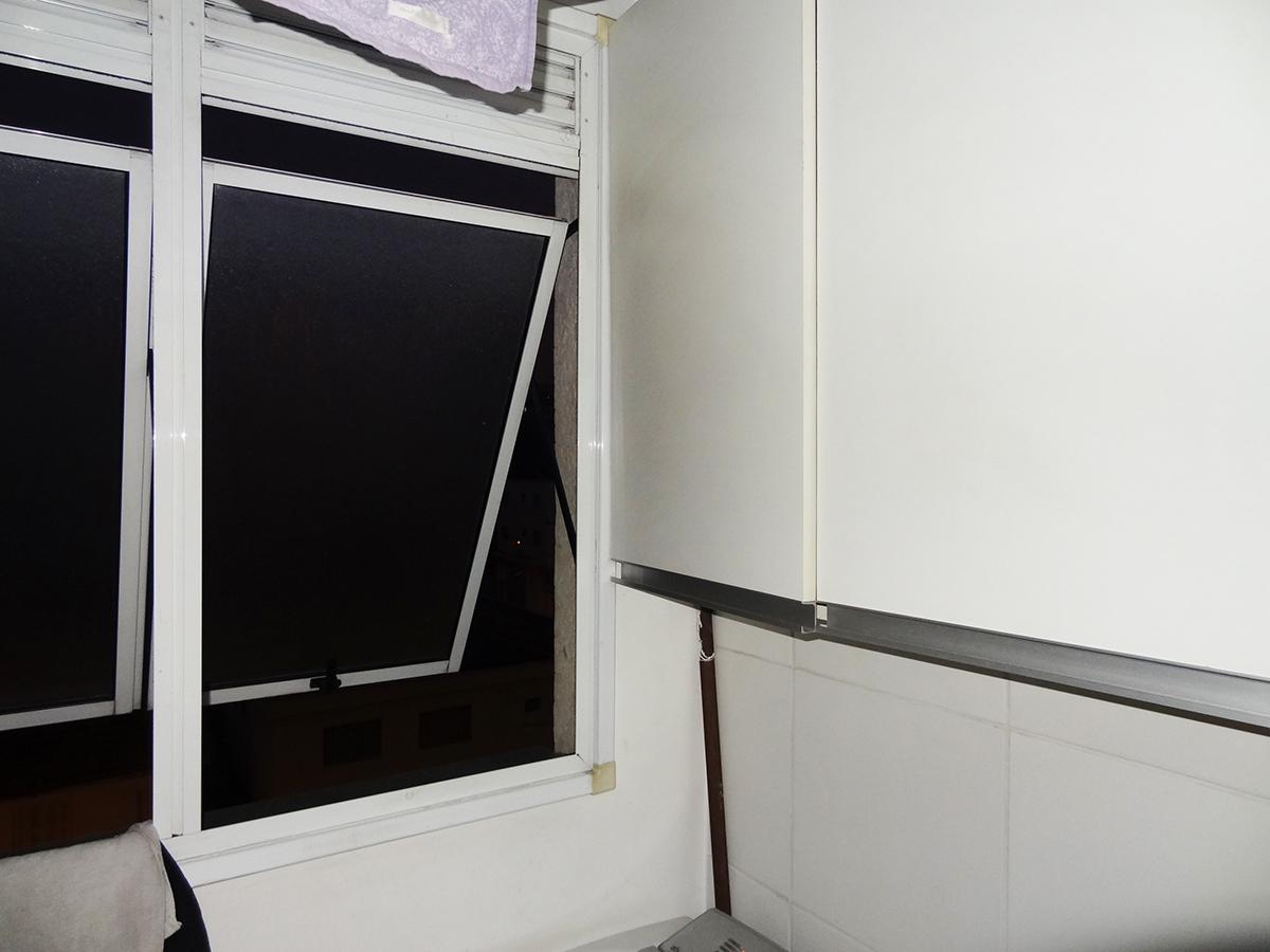 Sacomã, Apartamento Padrão-Área de serviço com piso de cerâmica e armários.