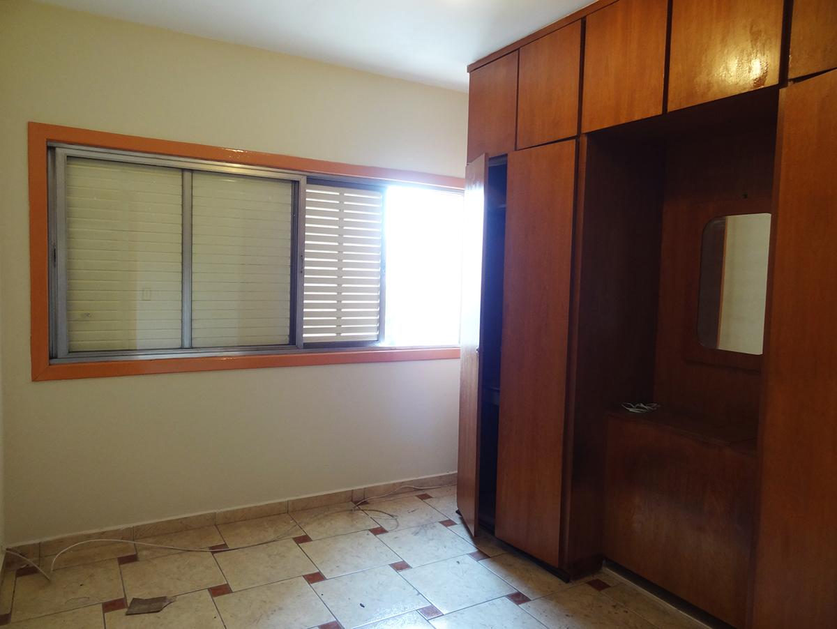 Ipiranga, Apartamento Padrão-TERCEIRO DORMITÓRIO COM PISO DE CERÂMICA.