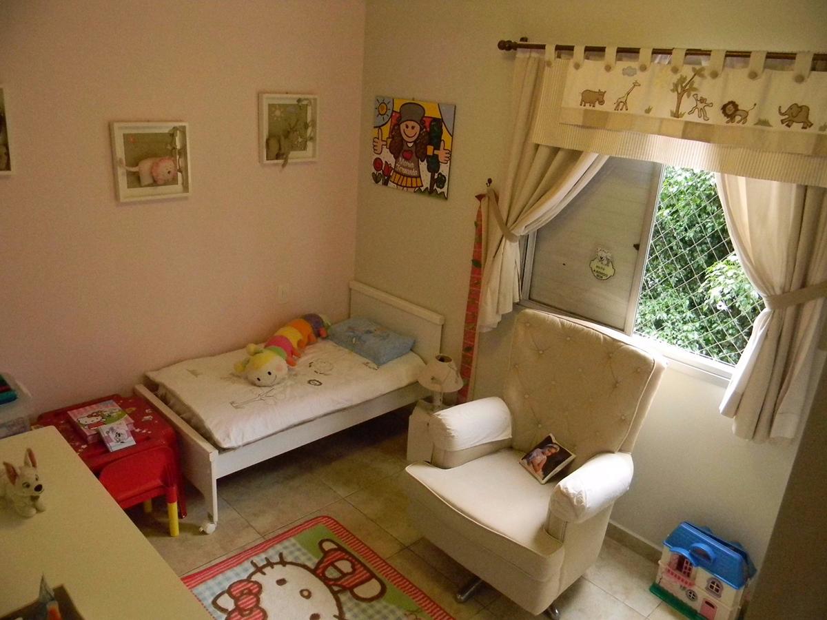 Jabaquara, Apartamento Padrão-Segundo dormitório com piso de cerâmica e teto com moldura de gesso.
