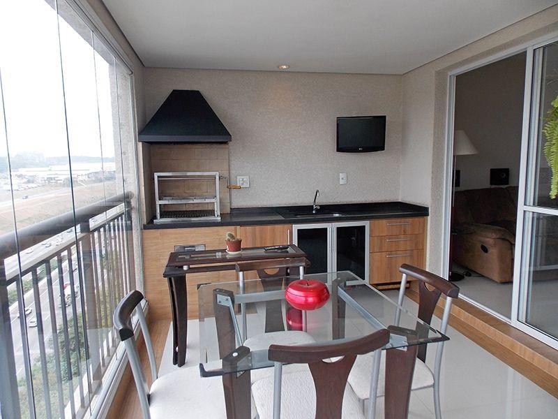 Jabaquara, Apartamento Padrão-Varanda gourmet com piso de porcelanato, iluminação embutida, cortina de vidro, pia de granito com gabinete e churrasqueira.