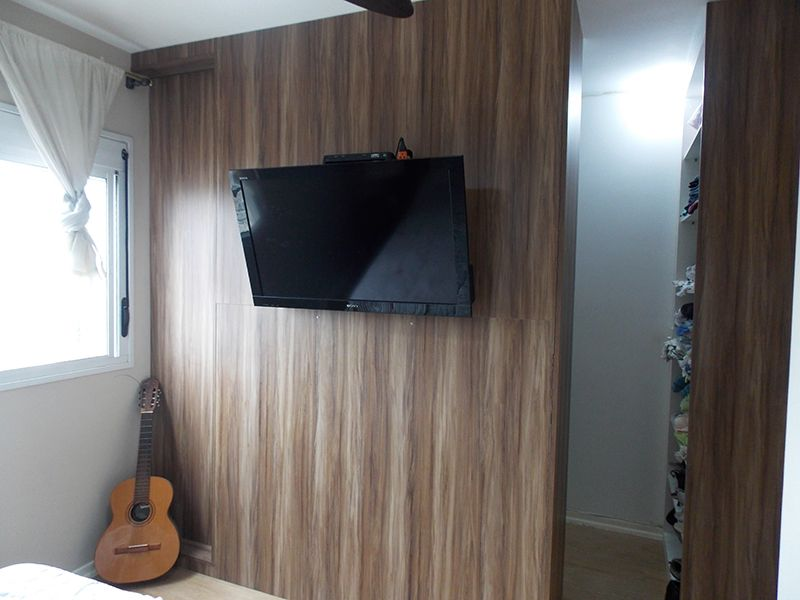 Jabaquara, Apartamento Padrão-Suíte com piso laminado e closet.