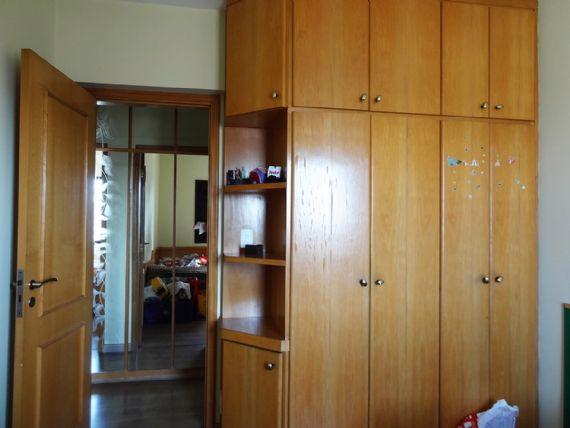 Ipiranga, Apartamento Padrão-Segundo e terceiro dormitório com piso laminado e armários planejados.