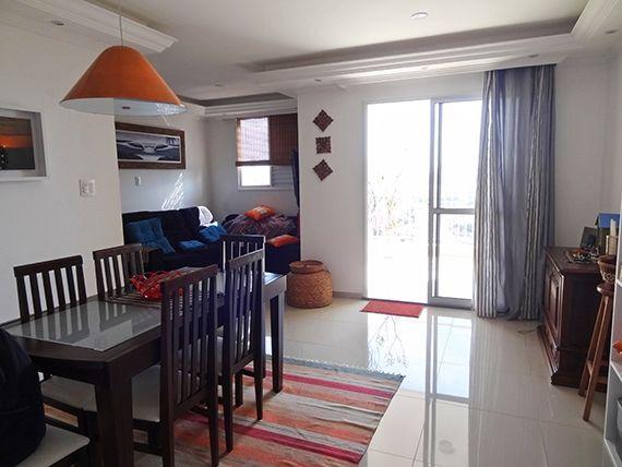 Sacomã, Apartamento Padrão - Sala ampliada (com o 3º quarto), com piso de porcelanato, teto com sanca de gesso, iluminação embutida e acesso a sacada.