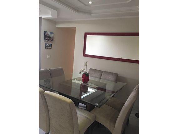 Sacomã, Apartamento Padrão-Sala em L com dois ambientes, piso de cerâmica, teto com sanca de gesso, iluminação embutida, cortineiro e acesso à varanda.