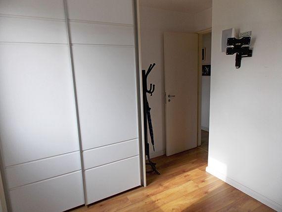 Jabaquara, Apartamento Padrão-Segundo e terceiro dormitório com piso laminado e armários planejados.