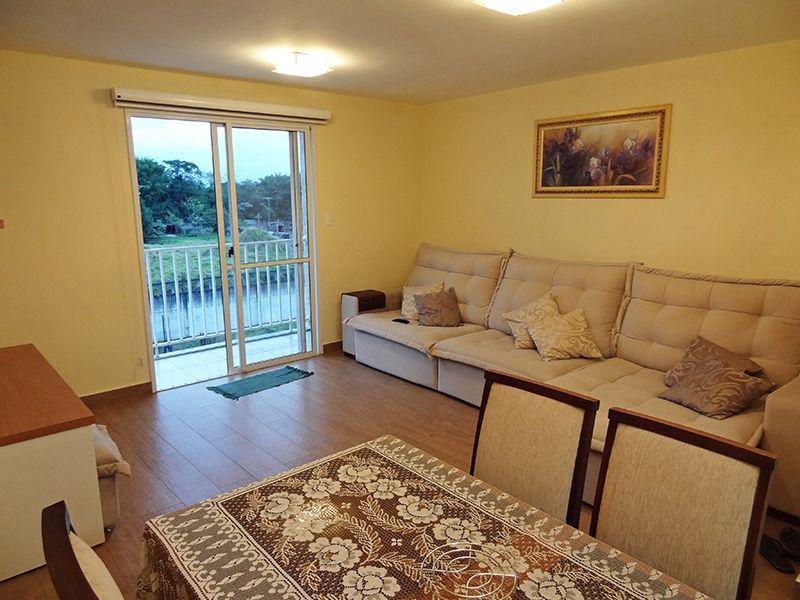 Sacomã, Apartamento Padrão - Sala com dois ambientes, piso de porcelanato e acesso à varanda.