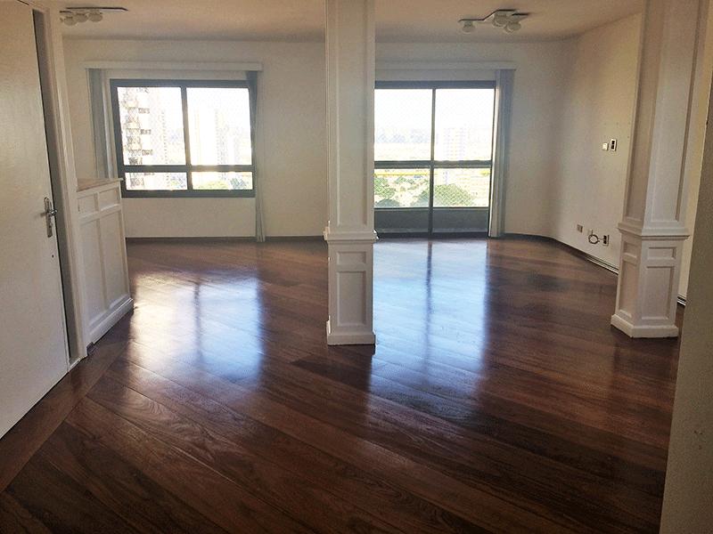 Ipiranga, Apartamento Padrão - Sala em L com piso laminado.