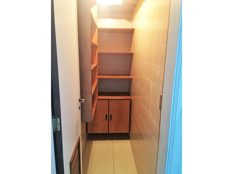 Ipiranga, Apartamento Padrão-Despensa com piso de cerâmica.