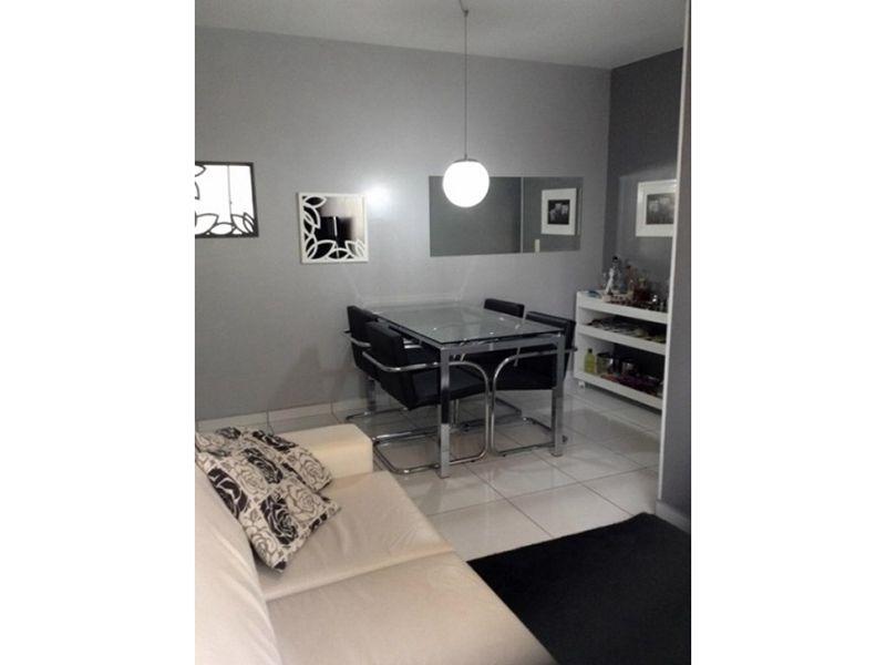 Sacomã, Apartamento Padrão-Sala em L com dois ambientes e piso de cerâmica.