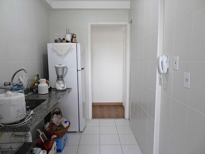 Sacomã, Apartamento Padrão-Cozinha com piso de cerâmica e pião de cerâmica.