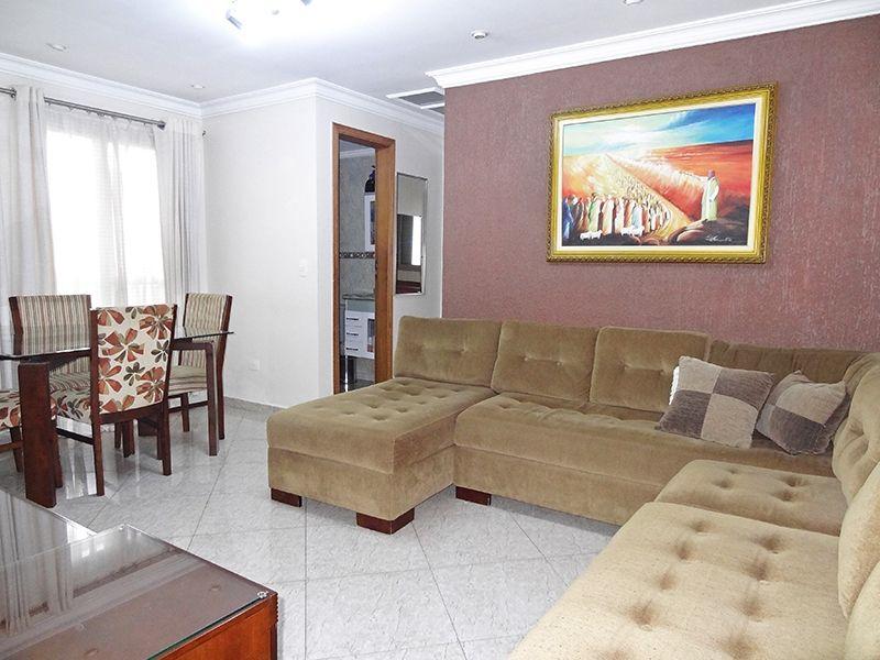 Jabaquara, Apartamento Padrão - Sala com dois ambientes, piso de porcelanato, teto com moldura de gesso, iluminação embutida e acesso à varanda.