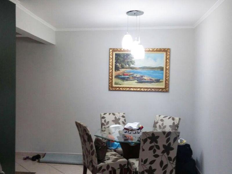 Sacomã, Apartamento Padrão-Sala em L com dois ambientes, piso de cerâmica e teto com moldura de gesso.