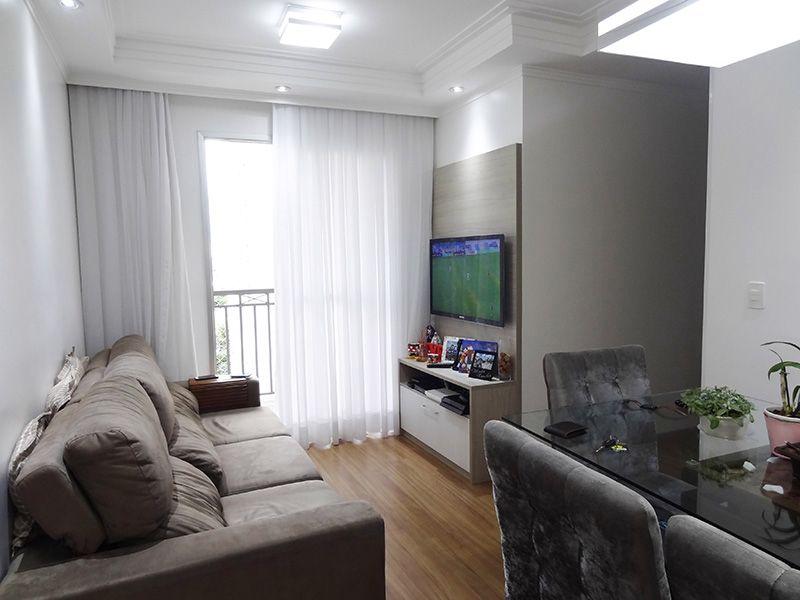 Sacomã, Apartamento Padrão-Sala retangular com piso laminado, teto com sanca de gesso com iluminação embutida e acesso á varanda.