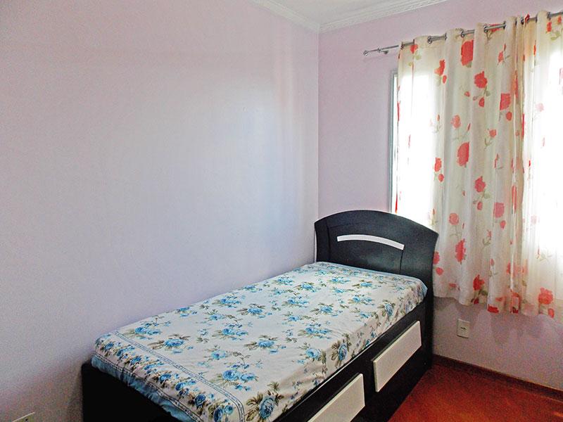 Sacomã, Apartamento Padrão-3º Quarto com piso laminado e teto com moldura de gesso.
