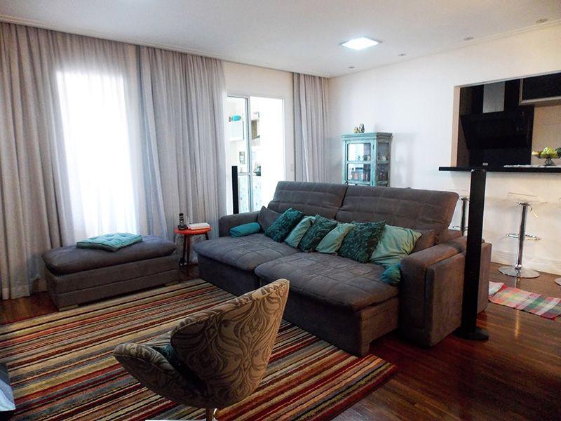Ipiranga, Apartamento Padrão - Sala com piso de  madeira, teto rebaixado com iluminação embutida e acesso a varanda.