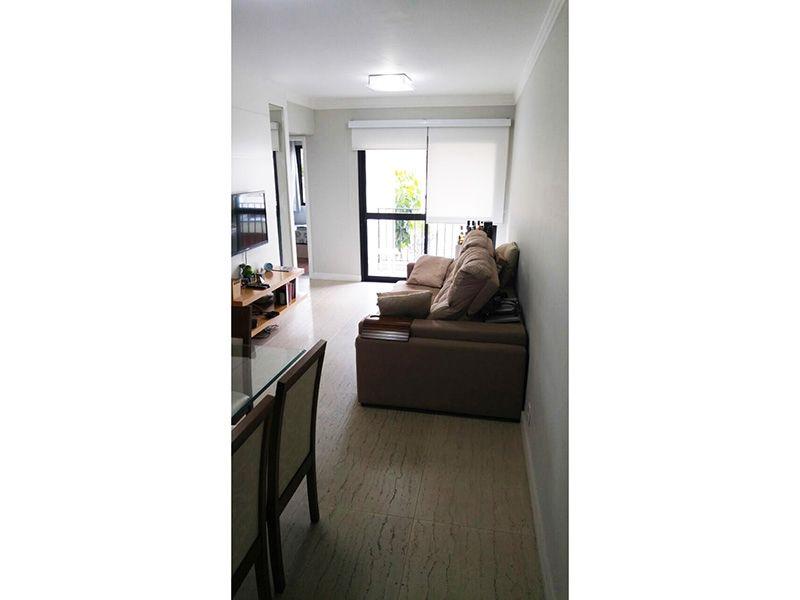 Ipiranga, Apartamento Padrão-Sala retangular com piso de cerâmica, teto com moldura de gesso e acesso a varanda. Varanda com piso de cerâmica.