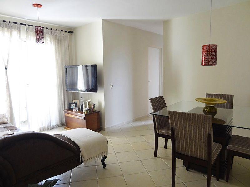 Sacomã, Apartamento Padrão-Sala em L com dois ambientes, piso de cerâmica e acesso a varanda.