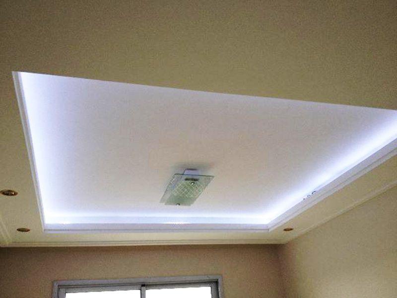 Sacomã, Apartamento Padrão-Teto da sala com sanca de gesso e iluminação embutida.
