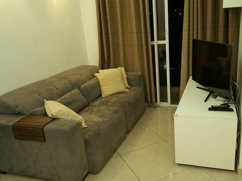 Jabaquara, Apartamento Padrão - Sala retangular com piso porcelanato, teto com sanca de gesso e iluminação embutida.