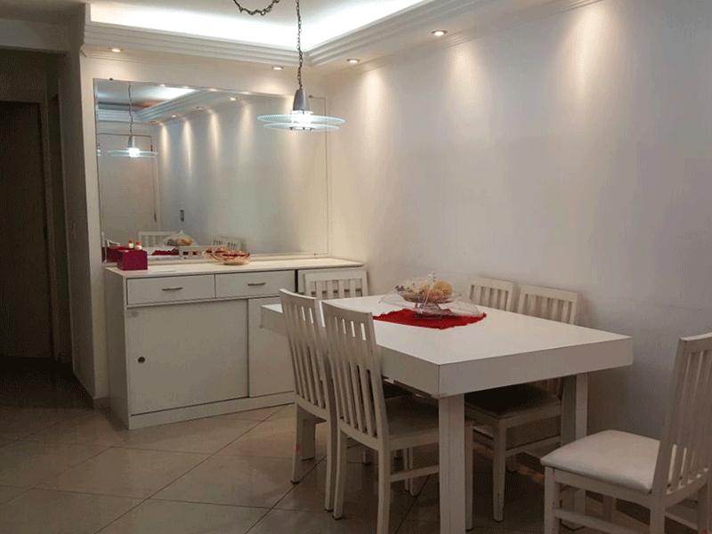 Jabaquara, Apartamento Padrão-Sala retangular com piso porcelanato, teto com sanca de gesso e iluminação embutida.