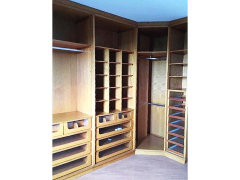 Sacomã, Apartamento Padrão-Segundo dormitório com piso laminado e armários planejados.